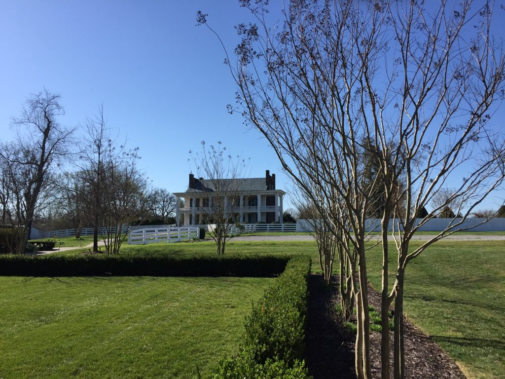 Photo of Carnton Plantation, which served as a field hospital during the Battle of Franklin.