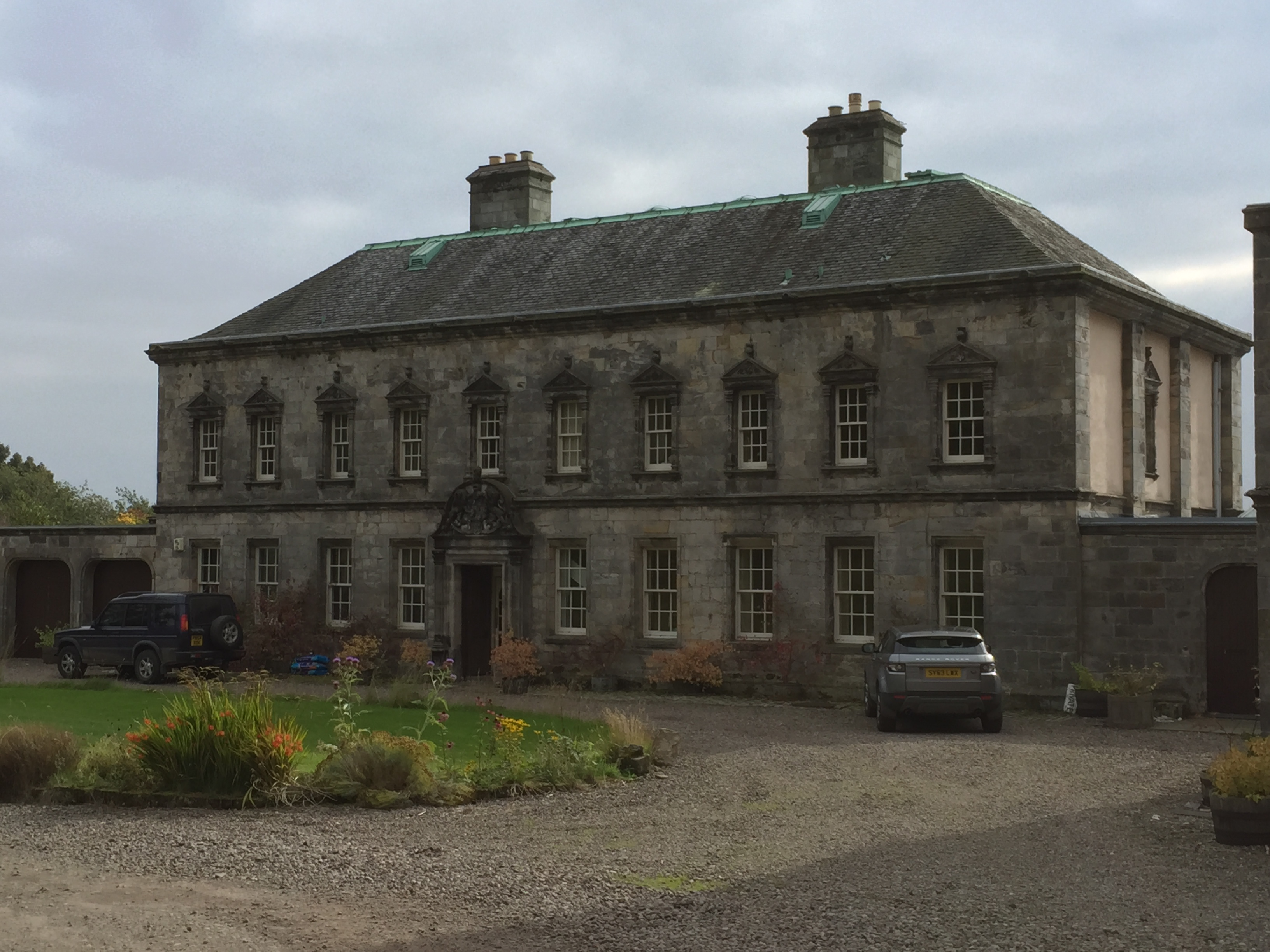 Photo of Culross Abbey House, former home of the Cochrane family.